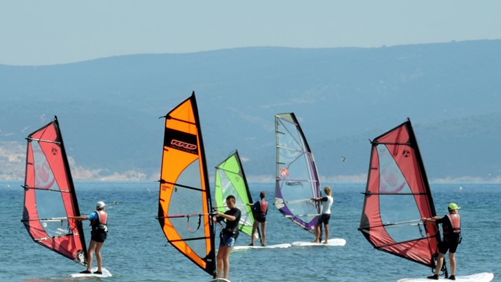 windsurfing lessons at campsite Galeb